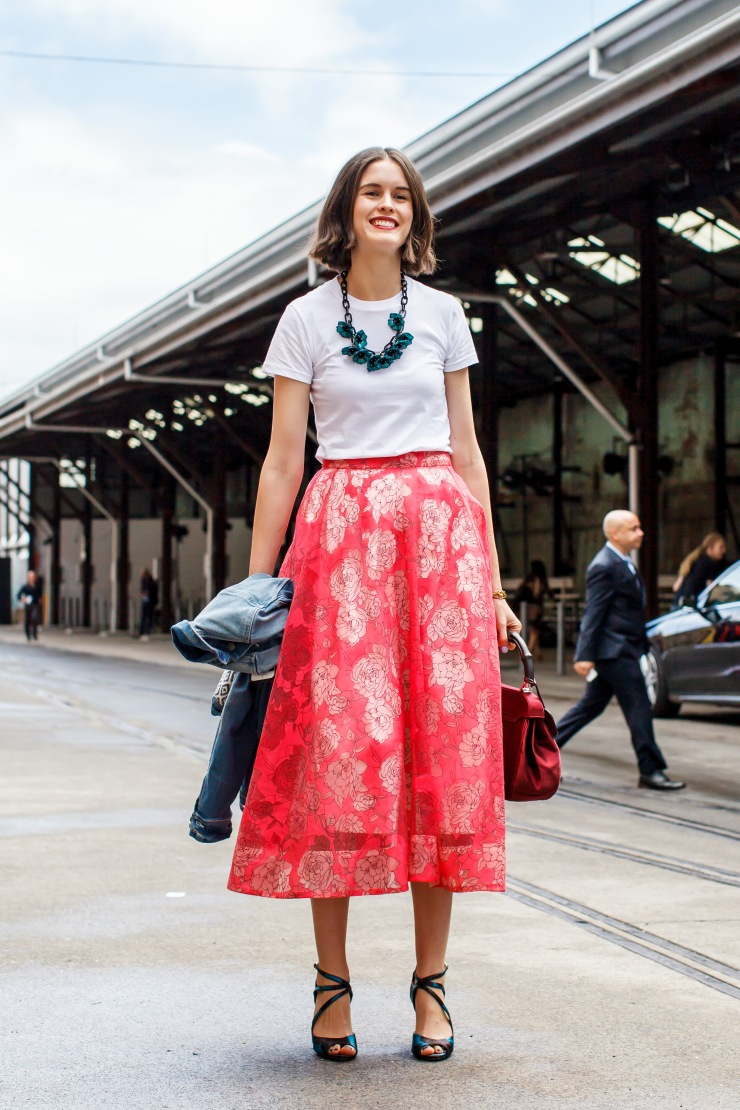 Midi skirt, skirt, tops, tee, t-shirt, heels, women's wear, street style, your ensemble, yourensemble, yourensemble.com