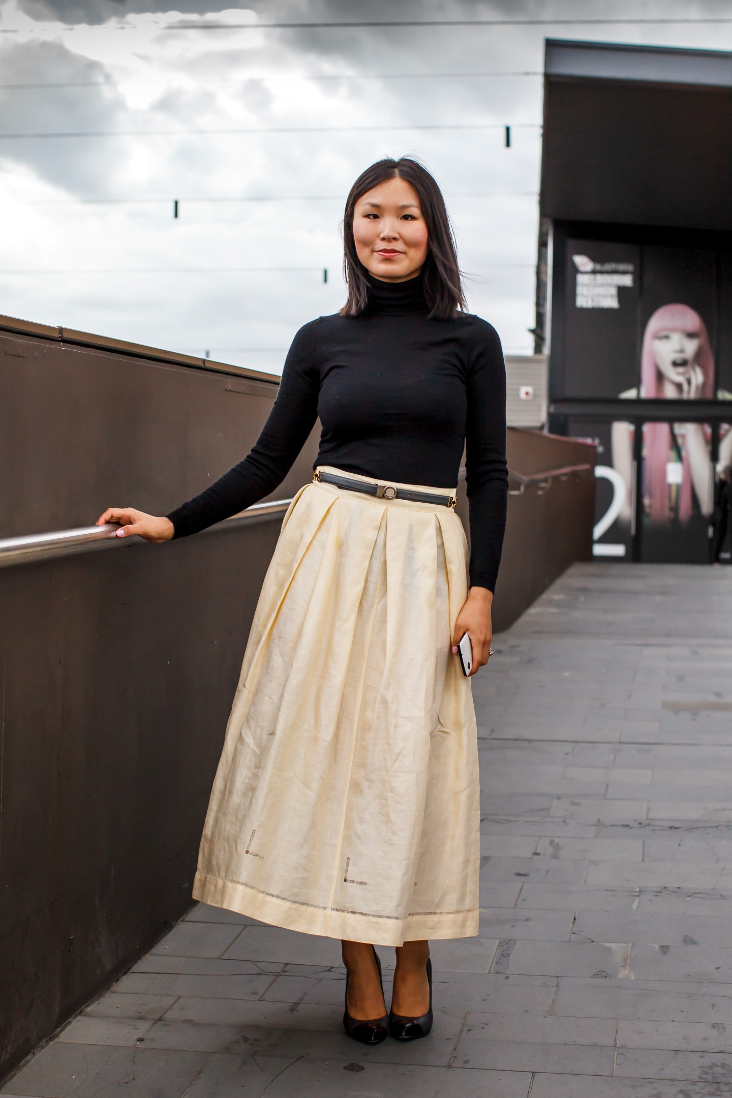 Midi skirt, skirt, tops, turtleneck, heels, women's wear, street style, your ensemble, yourensemble, yourensemble.com