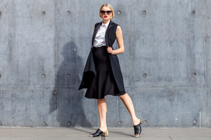 Liz Sunshine, Suit, monochrome, shirt, tuxedo, jacket, waistcoat dress, skirt, mules, shoes, women's wear, street style, your ensemble, yourensemble, yourensemble.com