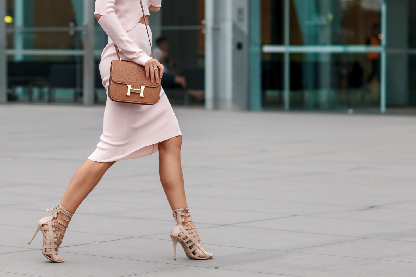 Your Ensemble Street Style Photography Meets Online Fashion